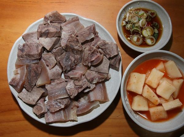 '골목집소머리국밥'의 수육. 박미향 기자