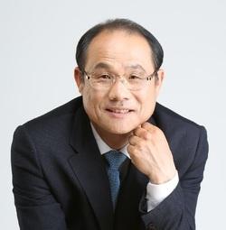 """경기도교육감 후보로 나서ë¤ëŠ"""" 구희현씨."""