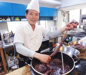 옥류관 요리사 윤종철씨.