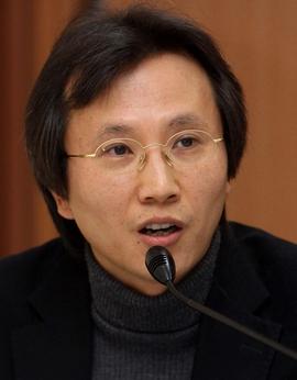 윤홍식 인하대 교수. 한겨레 자료사진