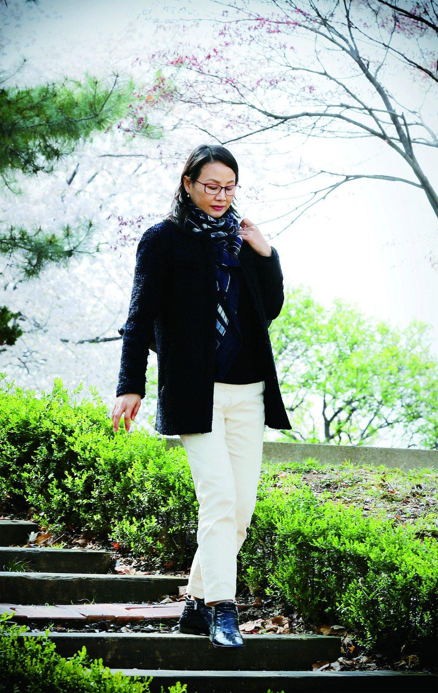 북한의 리듬체조 스타였던 이경희 리듬체조 국가대표 후보선수 전임지도자가 지난 9일 서울 올림픽공원을 걷고 있다. 강재훈 선임기자 khan@hani.co.kr