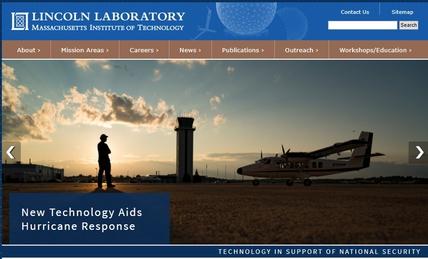 매사추세츠공과대학(MIT)의 링컨연구소는 1년 예산이 10억달러를 넘는 MIT 최대 연구소로, 미군 각종 첨단 군사기술 연구의 대표 조직의 하나다. 1951년 매사추세츠 렉싱턴의 공군기지 안에 설립됐다.  링컨연구소 홈페이지