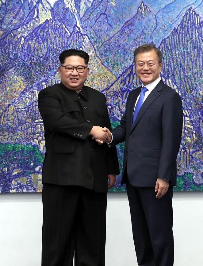北朝鮮の国防委員長金正恩と韓国大統領文在寅