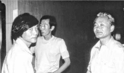 <제1공화국>의 이기붕, <거부실록>의 공주갑부 김갑순에 이어 <야망의 25시>의 김유장으로 고석만(왼쪽)과 다시 호흡을 맞춘 박규채(오른쪽)는 특유의 해학 넘치는 연기로 또 한번 유행어를 낳았다. 83년 <야망의 25시> 스튜디오 녹화 때 모습. 사진 필자 고석만 제공