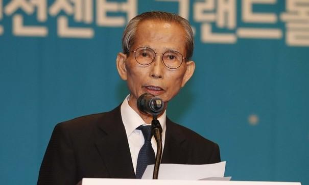 """88년 창간위원장 한승헌 """"한겨레 탄생은 기적"""""""