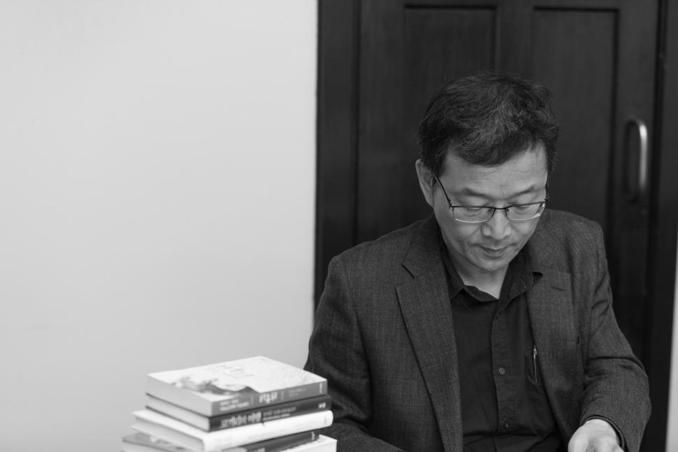 번역가 정영목 이화여대 통역번역대학원 교수. 문학동네 제공