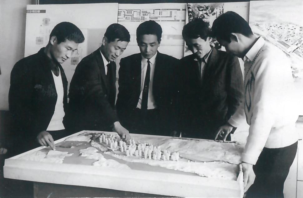'김포뉴타운 1970' 모형 앞에서