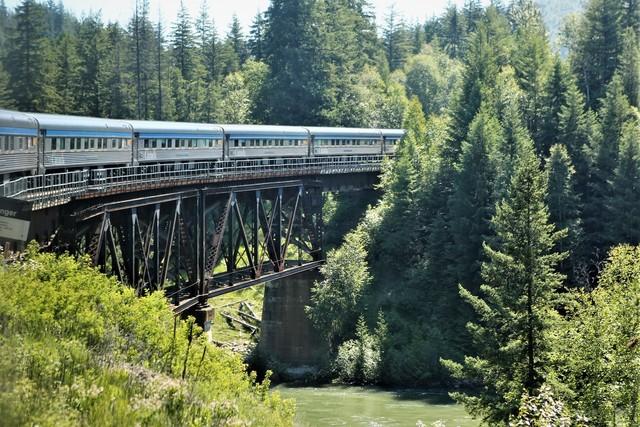 횡단열차는 숱한 강과 호수를 건넌다. 이병학 선임기자