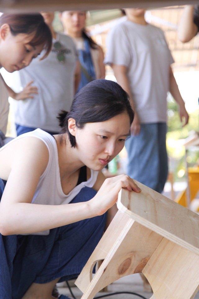 지난 14∼15일 충남 홍성 정다운농장에서 열린 제4회 농촌청년여성캠프에서의 기획자 해원. 4회차 캠프의 주제는 '시골 사는 여자 해원, 기술을 익히기 시작하다'다.  캠프 참가자 박혜정씨 제공