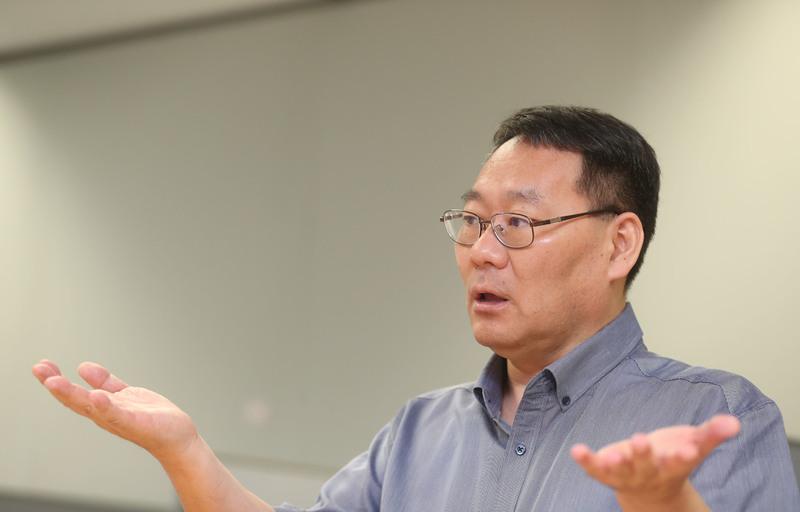 전성인 홍익대 교수