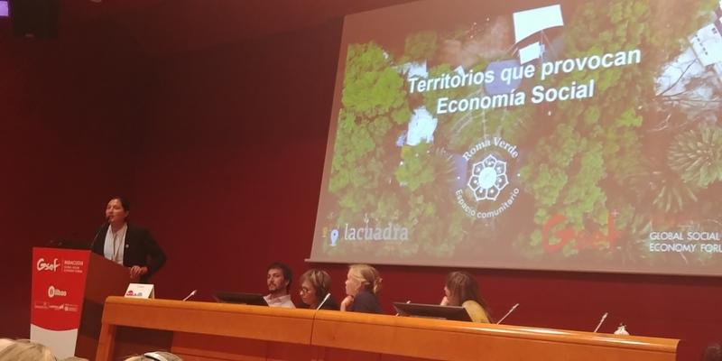 10월1일부터 3일까지 스페인 빌바오에서는 84개 나라 1700여 명이 참석한 가운데 국제사회적경제포럼(GSEF) 행사가 열렸다. 사진은 행사 이틀째인 2일 '사회책임 지역' 세션에서 라쿠아드라 대표단이 멕시코시티의 시민들이 참여해 벌인 녹지사업 사례를 발표하고 있다.