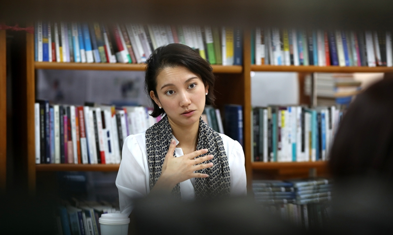 이토 시오리가 지난 9일 <한겨레>와 인터뷰를 하고 있다. 강재훈 선임기자 khan@hani.co.kr