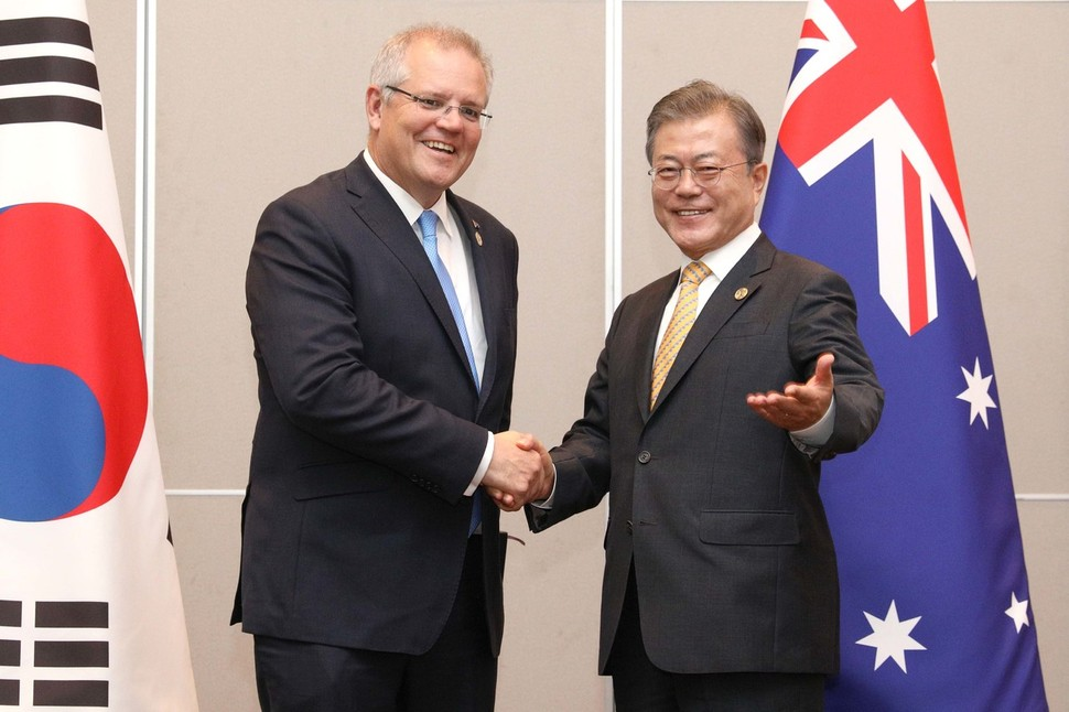 President Moon Jae-in, who attended the Asia-Pacific Economic Dialogue summit (APEC), met before yesterday's Prime Minister of Australia Scott Morrison at the Laguna hotel in Papua New Guinea (Thursday). United Nations News