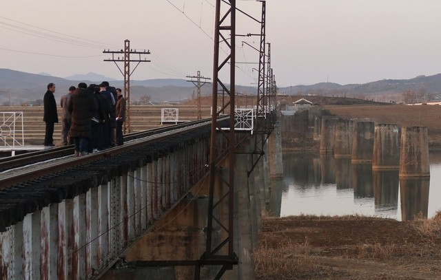 Inter-Korean joint railway survey of 400km of Gyeongui Line completed on Dec. 5