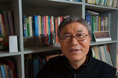 조돈문 가톨릭대 교수.                                강성만 선임기자