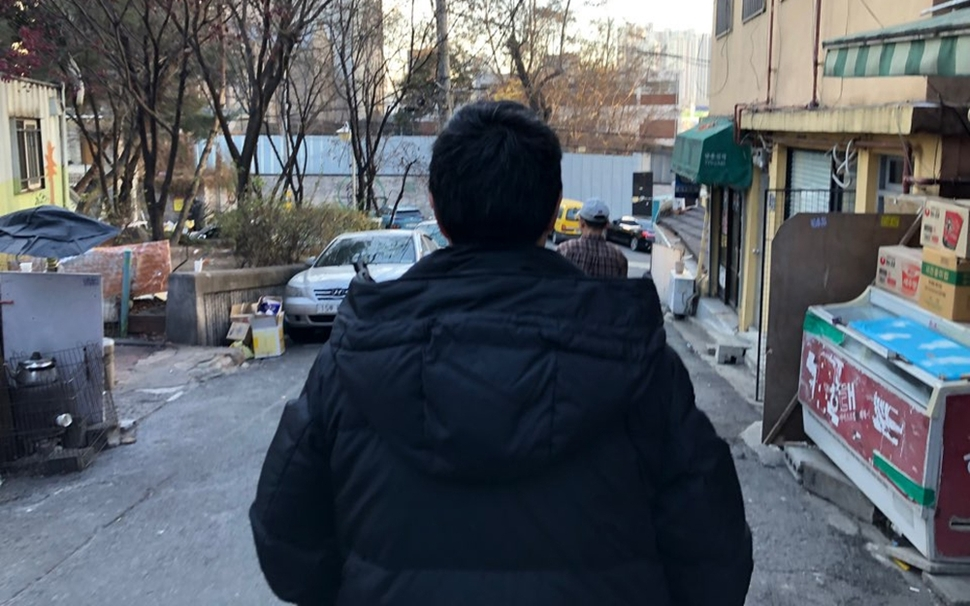 남편의 폭력을 피해 집을 나온 여성홈리스 별이씨는 거리에서 성폭력에 노출됐다. 별이씨는 남성처럼 보이기 위해 머리를 짧게 잘랐다.