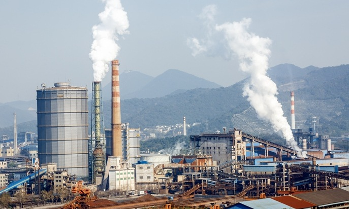 이산화탄소 배출 1위 철강산업의 딜레마