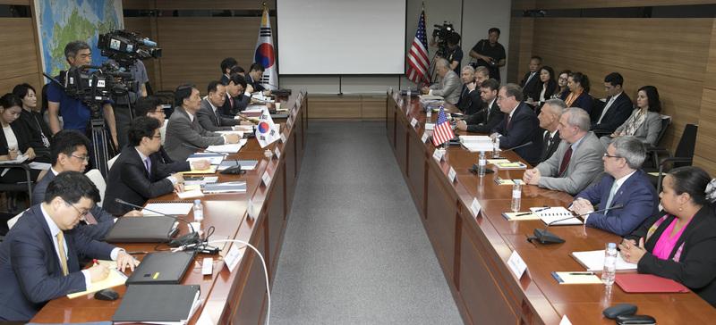 Editorial] US demands for 50% increase in S  Korea's defense