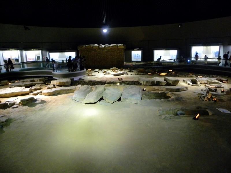 가야시대 고분인 고령 지산동 44호분에서는 현재까지 가장 많은 순장자(40명)의 인골이 나왔다. 사진은 지산동 44호분의 복원 모습. 권오영 교수 제공