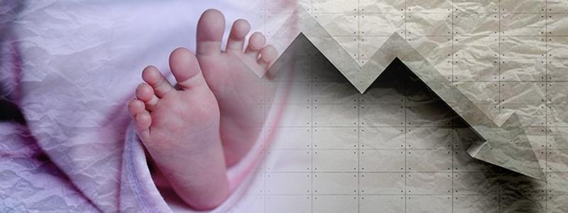 지난해 합계출산율(가임기 여성 1명이 평생 낳을 것으로 기대되는 아이의 수)이 처음으로 1.0명 밑으로 떨어졌다. 합계출산율이 1.0명 아래로 내려간 경제협력개발기구(OECD) 소속 국가는 우리나라가 유일하다. <한겨레> 자료사진
