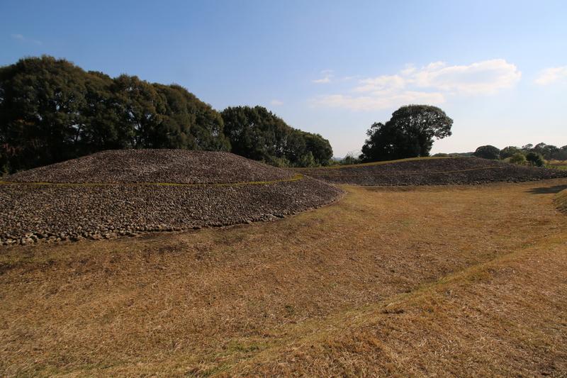 일본 미야자키현 이키메 5호 전방후원분의 외면이 즙석으로 덮여 있는 모습. 권오영 교수 제공