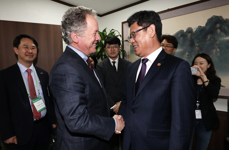 [Reporter's notebook] S. Korea could send humanitarian aid to N. Korea if it really wanted to