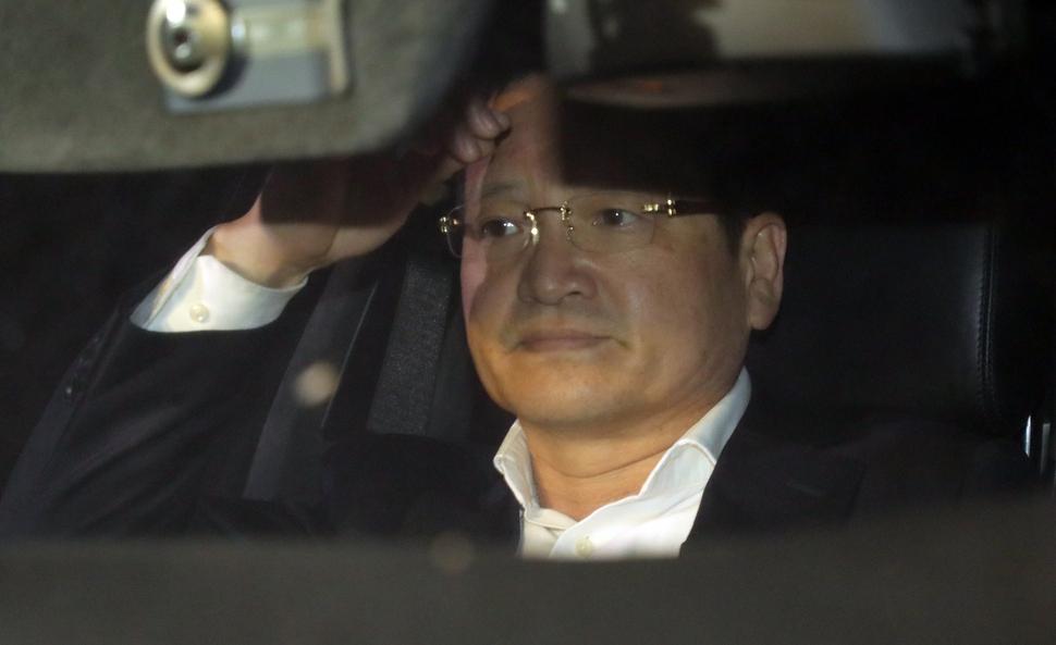 [속보]김학의 수사단, 윤중천 구속영장 재청구…강간치상 혐의 추가