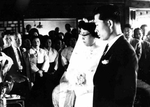 1962년 5월 결혼식 때의 김대중 전 대통령과 이희호 여사. 김대중평화센터 제공