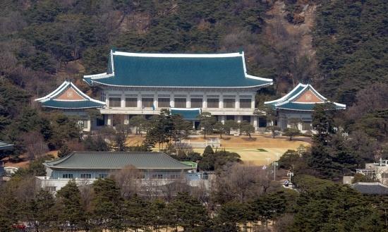청와대, 일본의 강제징용 '제3국 중재위 안' 거부