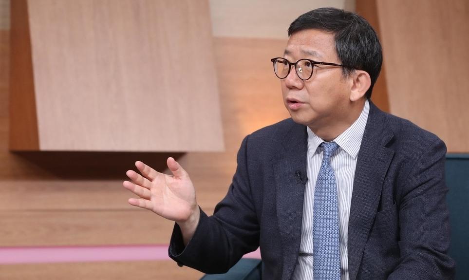 """[영상] """"아베 측근들의 '기습 보복'… 일 지식층도 비판"""""""