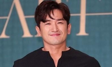 '성추행 혐의' 신화 이민우 기소 의견 검찰 송치