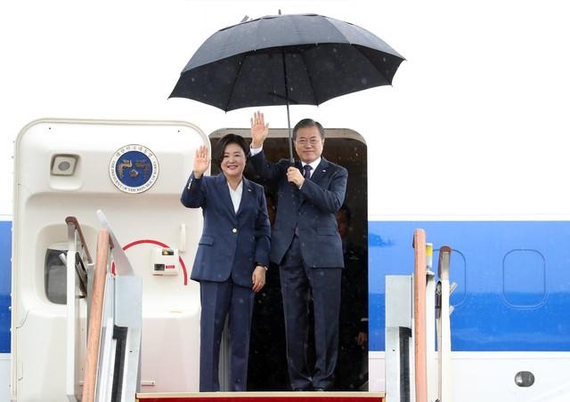 [속보] 문 대통령, 한미 정상회담·UN 총회 참석 위해 출국