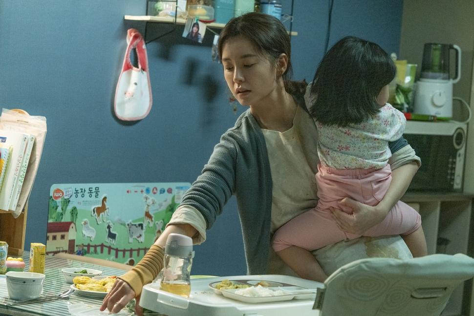 세상에 건네는 지영씨의 위로…영화 '82년생 김지영'