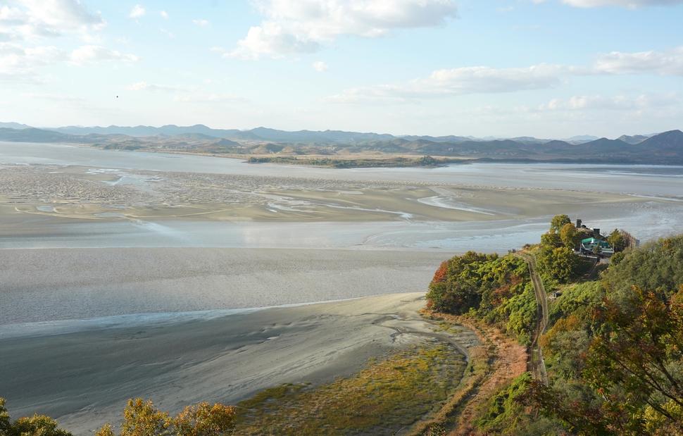 '70년 미답의 강' 한강하구, 한반도 평화 마중물 될까