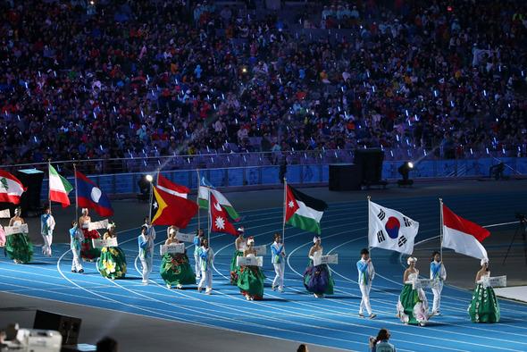 バラ色の経済効果は幻に…アジア競技大会が仁川市に残した借金 : 政治 ...